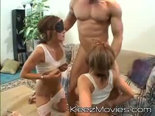 raseeritud tuss, kuum threesome, kena double blowjob hq