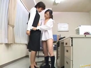 Boss bangs his secretary