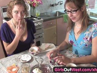 Monada australiana lesbianas lamida su rosa holes