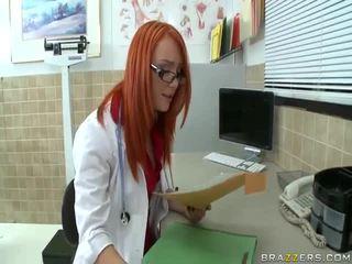Vaizdelis raudonas plaukai mergaitė seksas