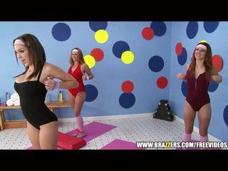 Aerobics instructor loves veľký kokot