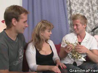 Cocksucking bayan sigara deli en aynı zaman