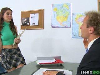 plezier brunette, vers coed actie, zien college meisje gepost