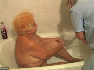 Starý kyprý grandmother having jebanie beside innocent osoba
