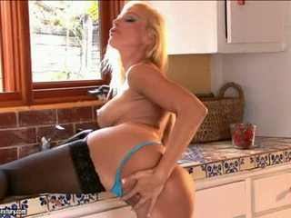 Sizzling Wench Vega Vixen Fires Up On The Kitchen Toying Hard On Her Snach