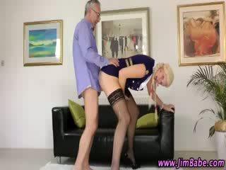 Stockinged amateur babe gets creampie