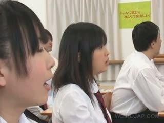 Asijské zvláštní školní pohlaví s horký titted studentská teased těžký