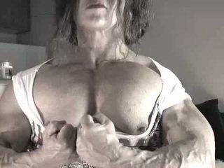 Terbesar klitoris bodybuilder wanita