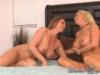 brunette, pussy licking, most lesbians thumbnail