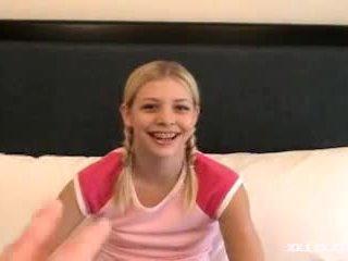 Cum på ung flicka tandställning