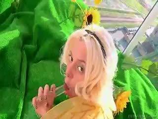 Maya σε bee disguise gets γάλα hose κάτω αυτήν τέλειο κώλος!