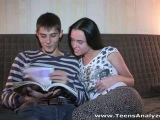 किशोर की उम्र analyzed: रशियन बेब sveta पहले एनल