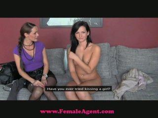 The fake agent snags a įtemptas naujas mergaitė