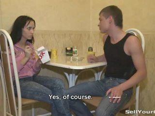 俄 青少年 elena 在 一 变态 性别 游戏