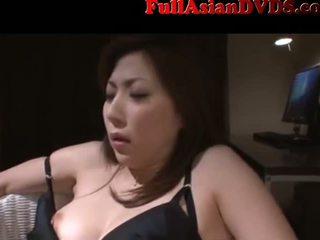 Азиатки милф прислужница tied и направен към cum(2)