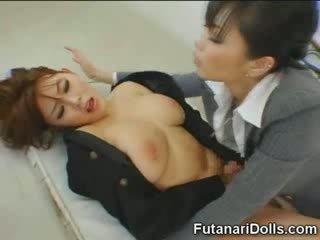 Futanari tastes lastna prihajanje!