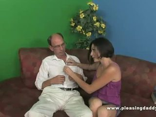 Brunette rumaja uses her burungpun to relief his stress