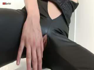 Eroberlin сексуальна чешка підліток claudie jazz fucks солодка манда