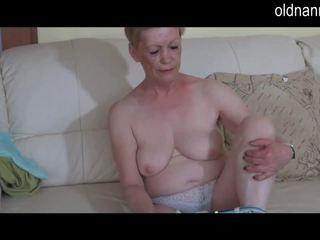 Solo товстушка бабуся masturbate