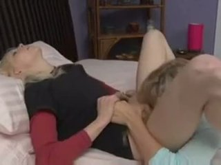 Julia ann & brea bennett magkantot www.bee .