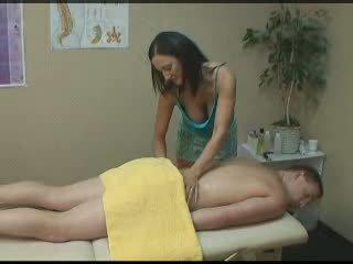 echt brunette, controleren massage, vol handjob kanaal