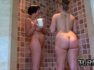 Paige Turnah - Milky, Milky