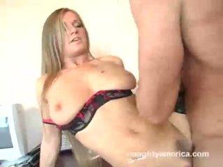 Breasty sekretárka rita faltoyano receives rammed ťažký na the kancelária