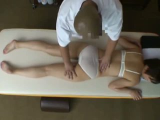 Spycam reluctant žmona seduced iki masseur