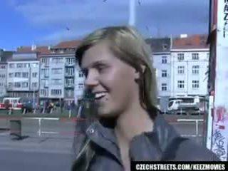 체코의 streets - ilona takes 현금 용 공공의 섹스