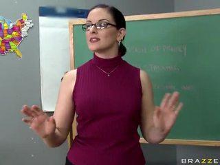 Tristyn kennedy fucks a velký čurák v the třída video