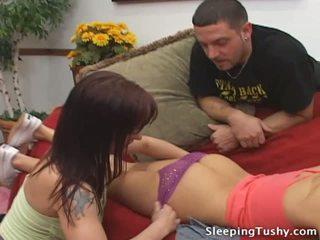 חם תחת לסבית בייב gets שלה שלל licked תוך ישן