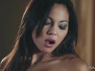 seks tegar, menyeronokkan seks oral lebih, menghisap segar