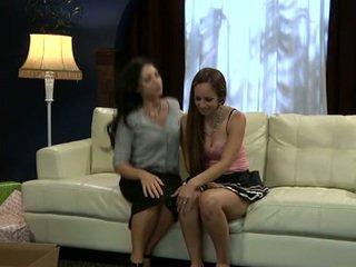 Lesbid sofia cruz ja joey ambrosiano