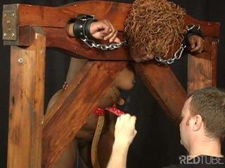 brunette scène, kijken speelgoed tube, echt kaukasisch