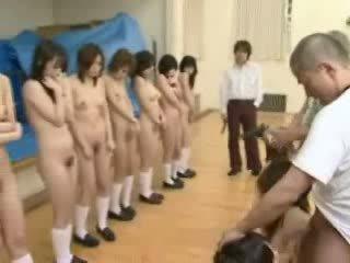 Japonais schoolgirls sous flingue threat vidéo