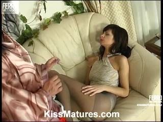 lesbische seks neuken, porno meisje en mannen in bed neuken, echt euro porn actie