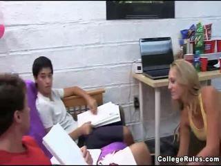 főiskola, tini szex, hardcore sex
