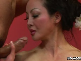 Matang warga asia angie venus sucks dan fucks baik video