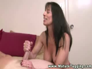 Cum hungry mature with hot body manually working for jizz