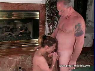 sucking cock porno, speelgoed actie, heetste pijpbeurt thumbnail