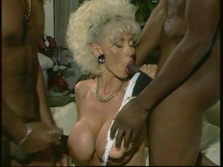 Dolly buster - جبهة مورو مارس الجنس بواسطة 2 أسود guys