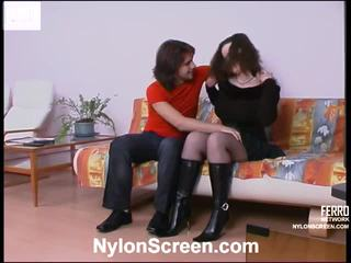 Nora et danil collants baise scène