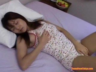 Asiatiskapojke tonårs masturberar
