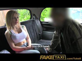 Faketaxi bata ginintuan ang buhok may malaki suso sa taxi pananamod sa loob