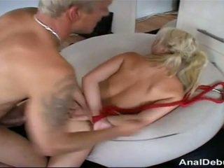 丹麦的 女孩 gets 肛交 lesson