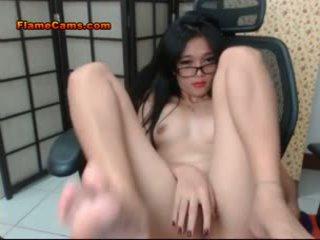 Micuta titties asiatic adolescenta