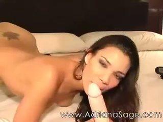 Adriana sage spletna kamera s jaminel