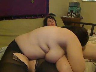 een bigtits porno, een roken, groot geschoren