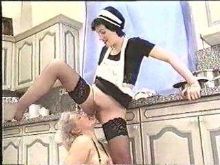 Piss; matang wanita drinks maids piss