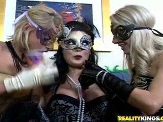 vol brunette, plezier maskeren gepost, kwaliteit likken seks